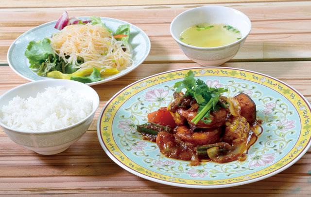 海老と夏野菜のサンバル炒め(平日限定おすすめランチメニュー)<br /> 1,180円 6/3~8/31