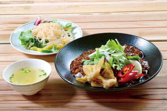 肉脛麺 シンガポールローミー(平日限定おすすめランチメニュー)<br /> 980円 6/3~8/31